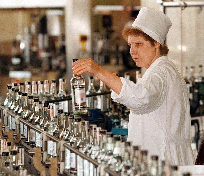 En 1982, la cour d'arbitrage internationale a réaffirmé la priorité de la Russie en ce qui concerne la production de la vodka comme boisson alcoolisée d'origine russe.