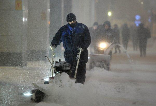 La neige ne va pas rester longtemps et la pluie est attendu ce samedi à Moscou.