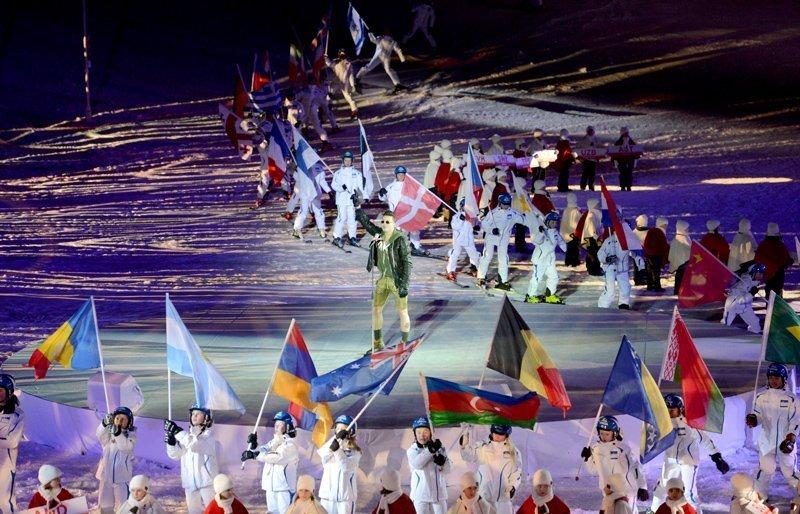 La cérémonie d'ouverture a accueilli non seulement des supporters et des stars, mais aussi de nombreux sportifs.