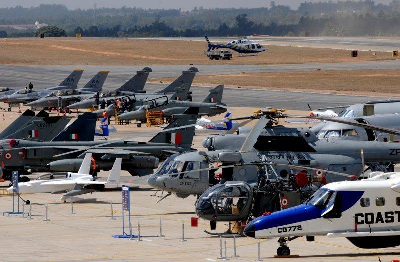 L'exposition internationale d'aérospatiale Aero India 2013 se tient du 6 au 10 février 2013 à Bangalore. Dix-sept pays y participent, dont les États-Unis, la Grande-Bretagne, l'Italie, l'Allemagne et la France. La Russie est une habituée de cette exposition. La Corporation d'État Technologies Russes est la responsable du pavillon russe.