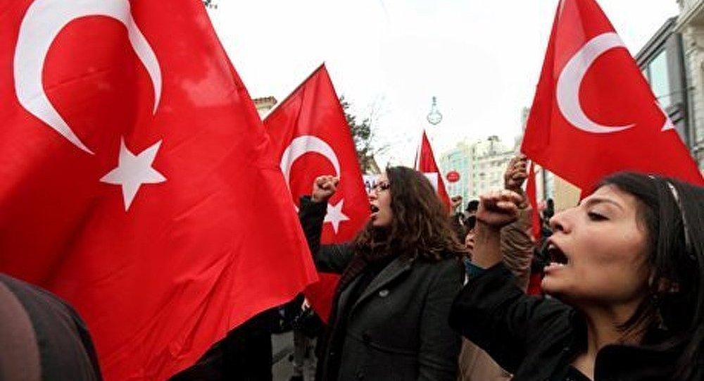 Turquie : les féministes exigent la création d'un Etat autonome des femmes