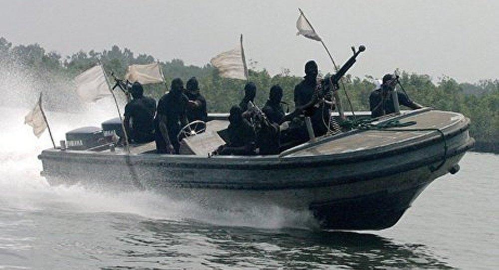 Les pirates ont pris des Russes en otage