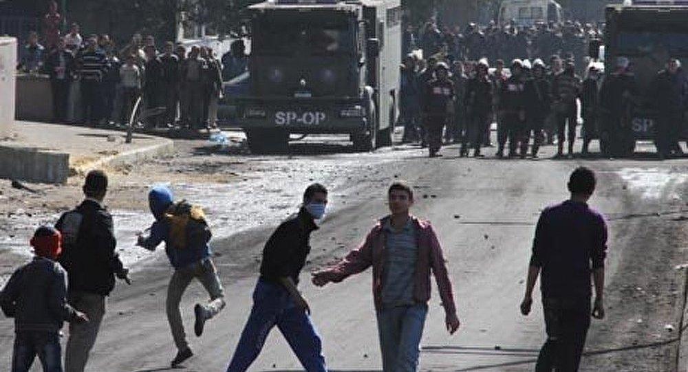 Les manifestants ont bloqué la circulation du métro au Caire