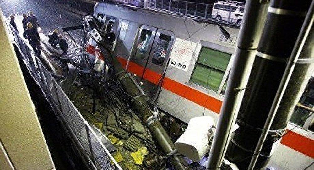 Un train déraille au Japon
