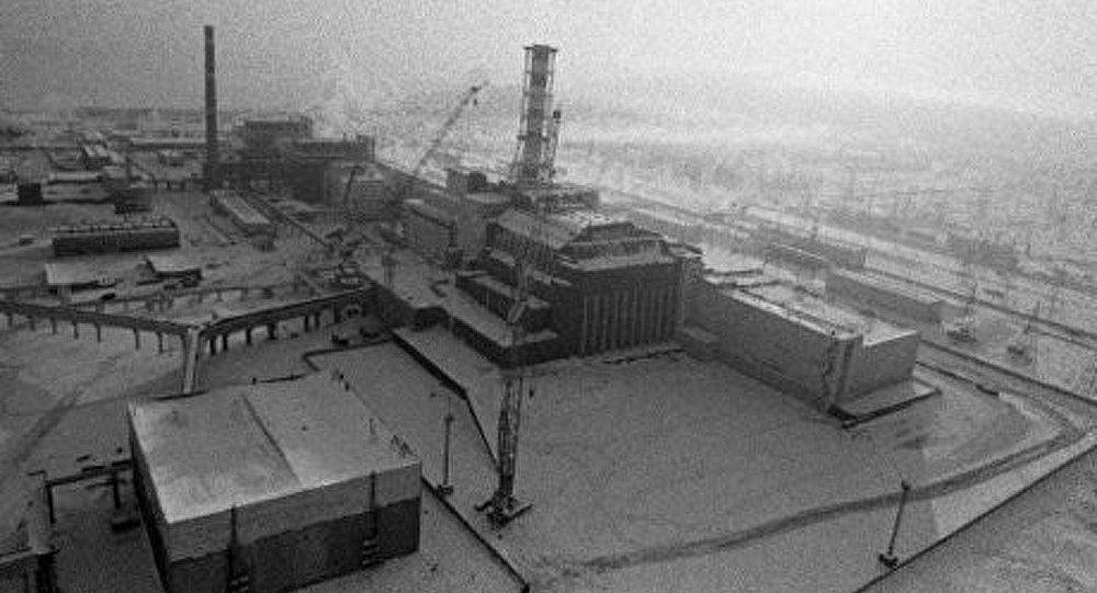 Effondrement de murs et du toit dans la centrale de Tchernobyl