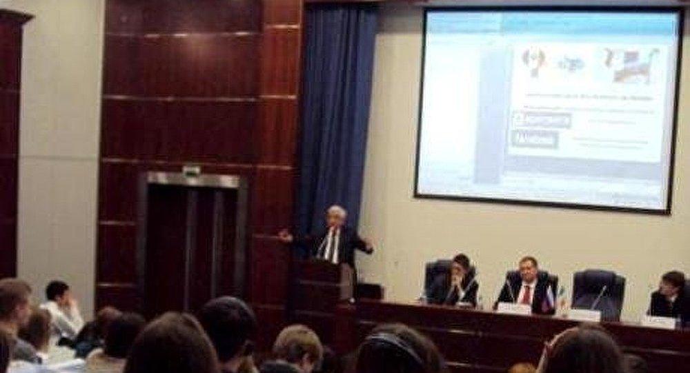 M. Chevènement : « En France la parole est confisquée par une minorité »
