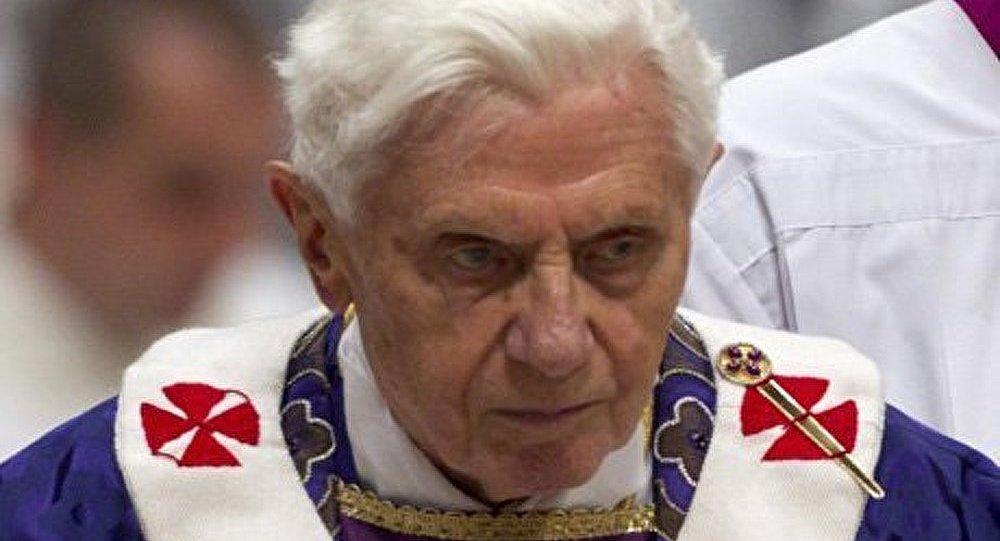 Démission du pape : pas de révolution dans l'Eglise catholique