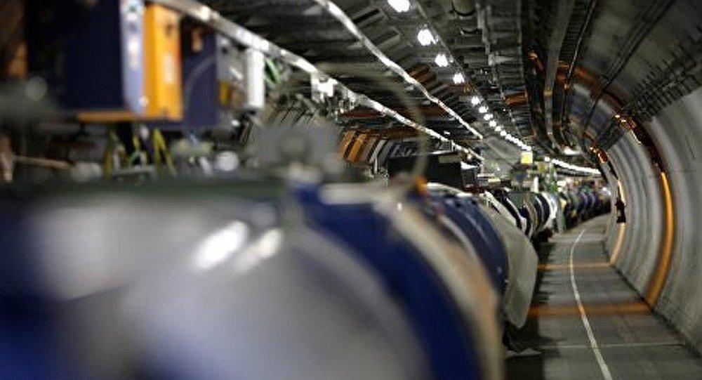 Mise à l'arrêt du Grand collisionneur de Hadrons