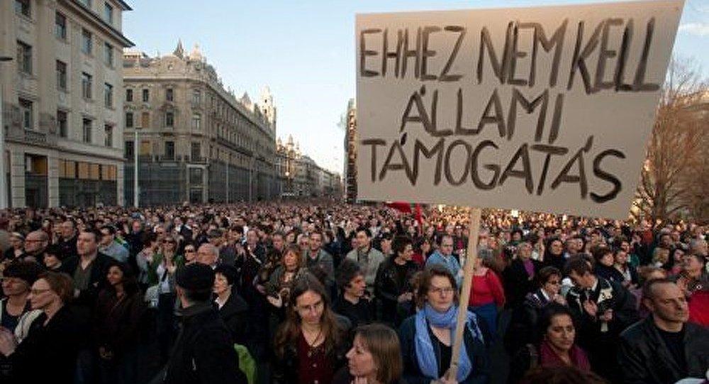 Hongrie : manifestation contre les amendements à la Constitution