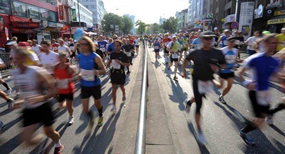 Les coureurs de marathon à Londres et Hambourg courent en soutien de Boston