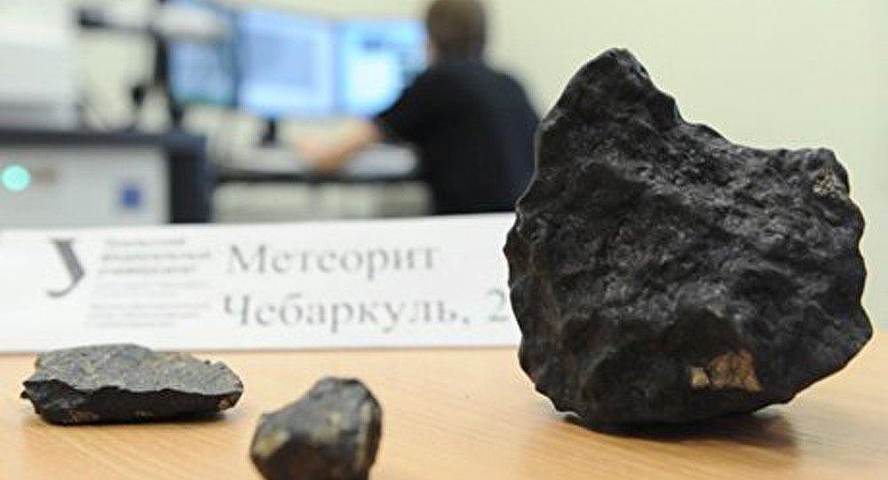 Météorite de Tcheliabinsk : un fragment exposé à Prague