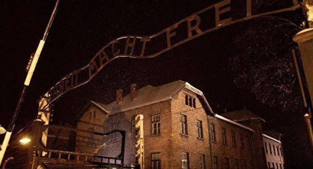 Un surveillant d'Auschwitz accusé d'assassinat de 9515 personnes