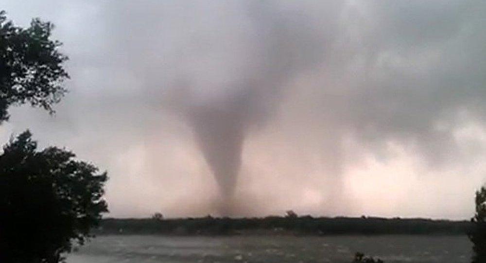 Des tornades s'abattent dans le centre des Etats-Unis