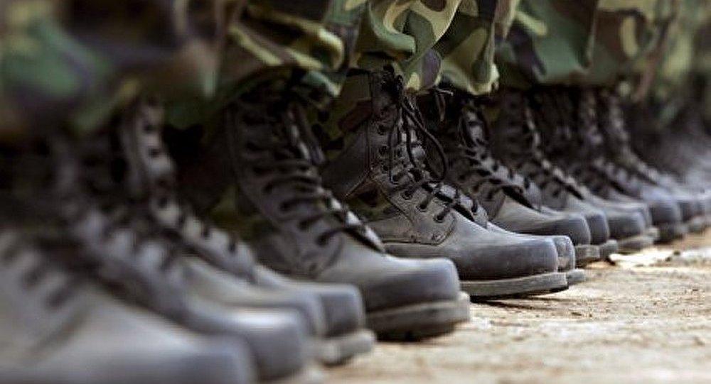 Rumeurs de coup d'État militaire contre Hollande