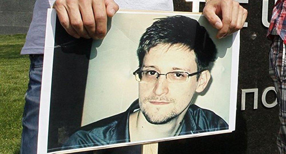 Snowden : la France n'a reçu « aucune demande officielle » d'asile