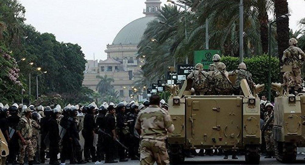 Les militaires égyptiens démentent que les partisans de Morsi étaient visés par des coups de tir