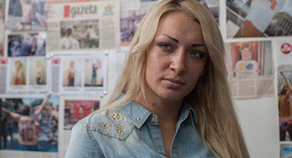 France : une Femen, visage de la nouvelle Marianne