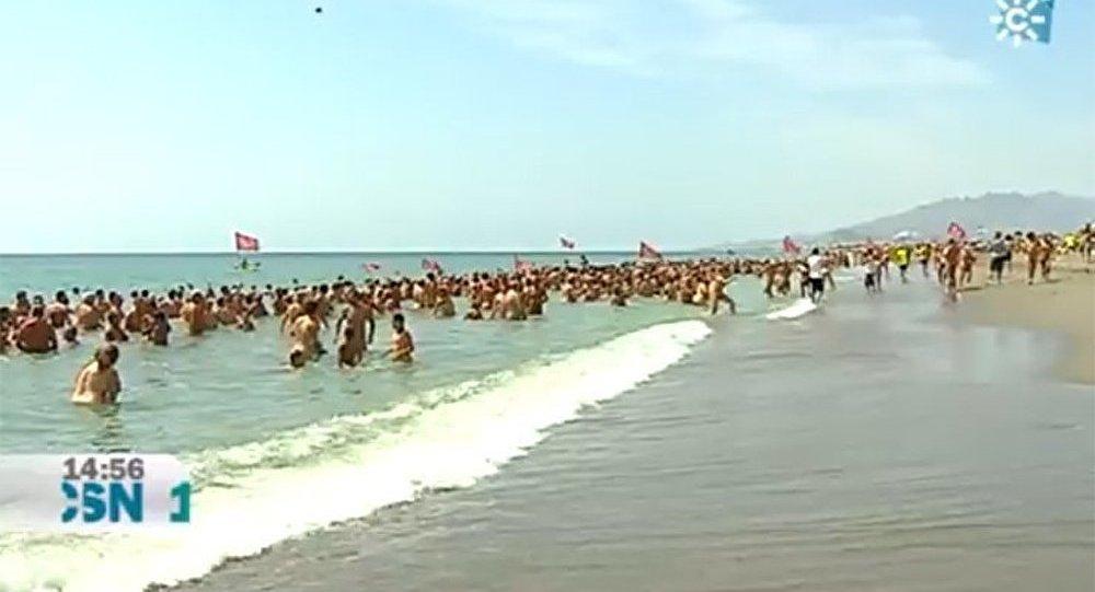 Les nudistes espagnols battent le record
