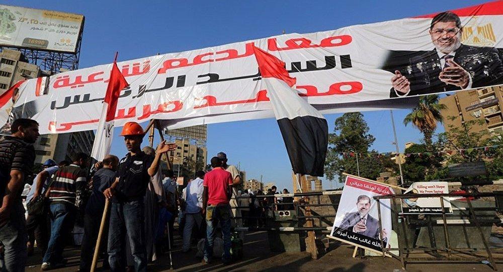 Les partisans de Morsi continuent à protester