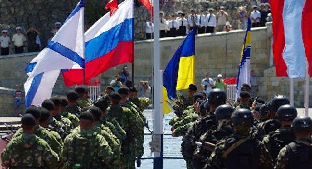 Poutine a félicité les marins de la Journée de marine de guerre