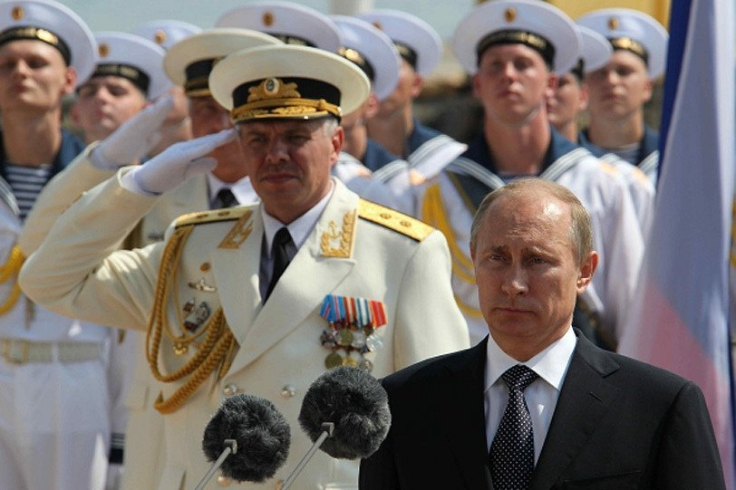 Vladimir Poutine, a félicité les marins de la Journée de marine de guerre russe et de la Journée de la marine ukrainienne.