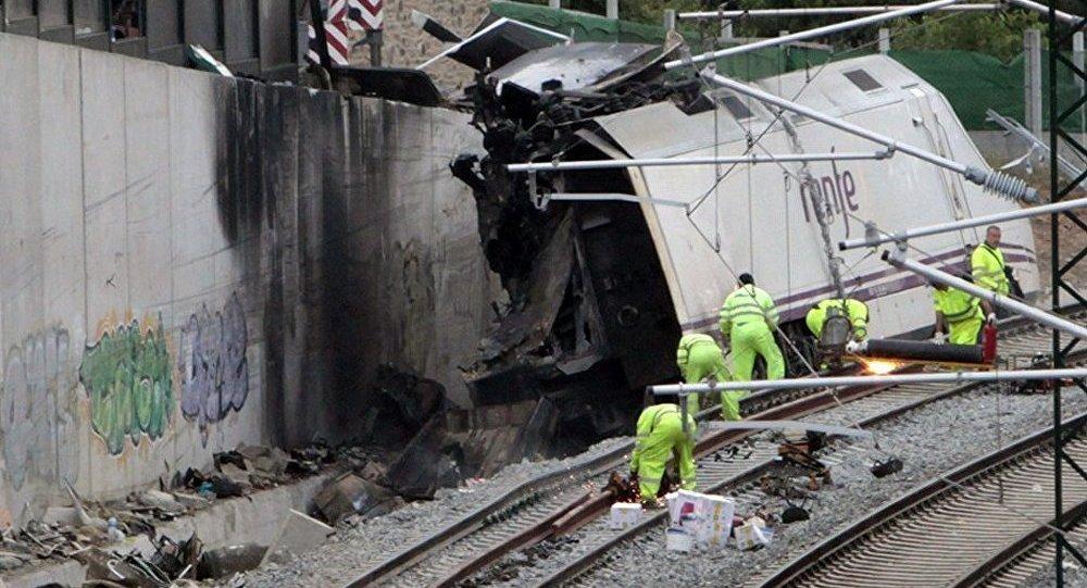 L'un des passagers blessés du train déraillé en Espagne est décédé