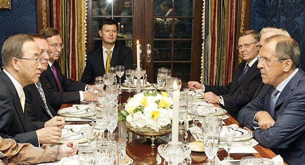 Lavrov : les négociations sont le seul moyen de sortir de l'impasse proche-orientale