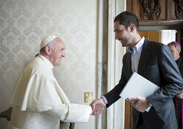 Le Pape François rencontre le fondateur d'Instagram Kevin Systrom