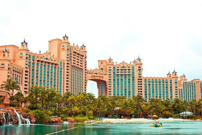 L'hôtel Royal Towers, construit au coeur de l'île Paradise, compte parmi les hôtels les plus prestigieux des Bahamas.