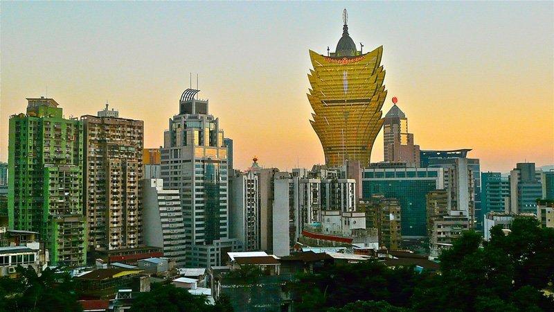 L'hôtel Grand Lisboa est le lieu idéal pour découvrir Macao (Chine) et ses environs. Cet hôtel moderne est proche des lieux touristiques de la ville.
