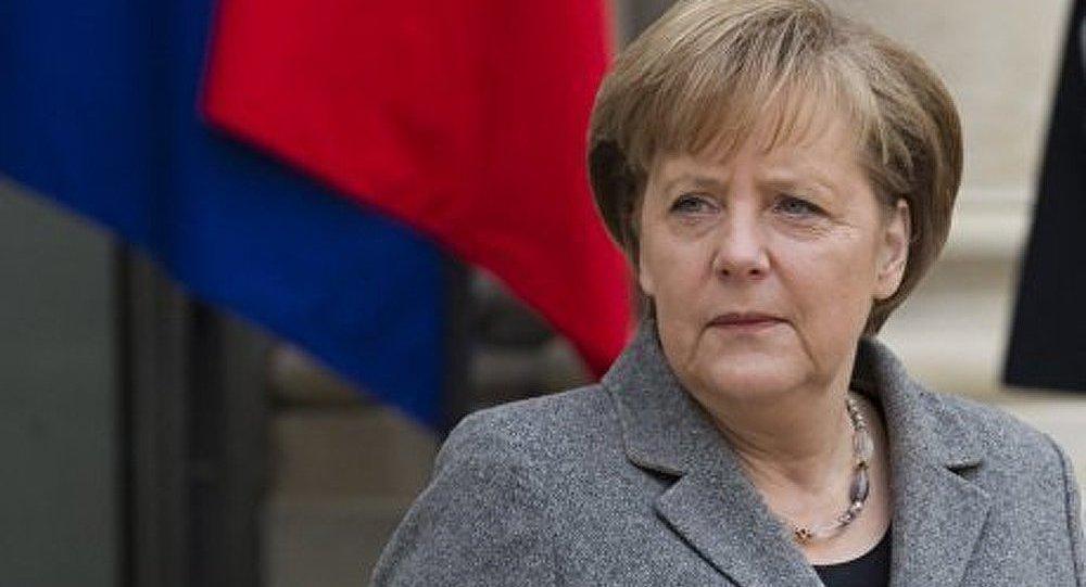 La Grèce n'aurait jamais dû être autorisée à entrer dans l'euro (Merkel)