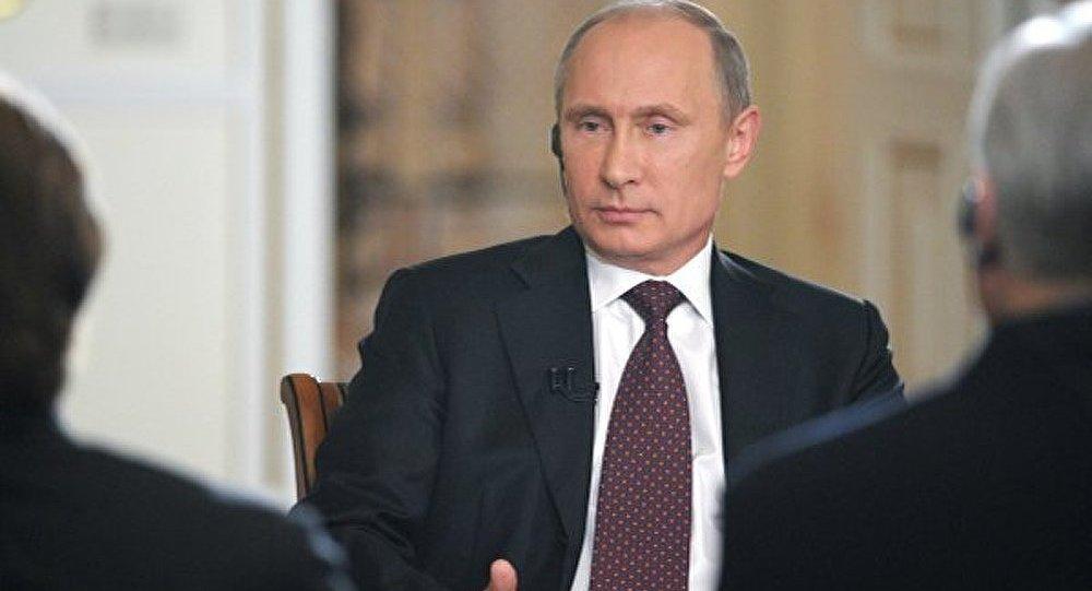 Vladimir Poutine prêt à s'entretenir avec les militants LGBT