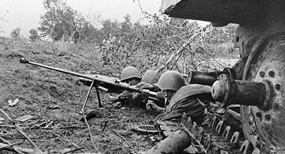 L'hommage à la mémoire des soldats soviétiques