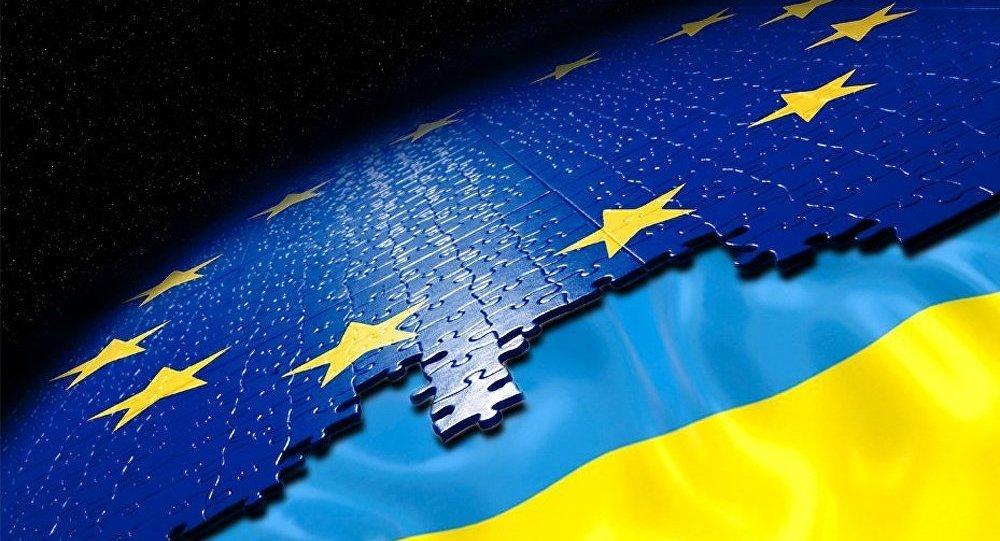 Ukraine-UE : l'accord d'association saperait les liens Moscou-Kiev (expert)
