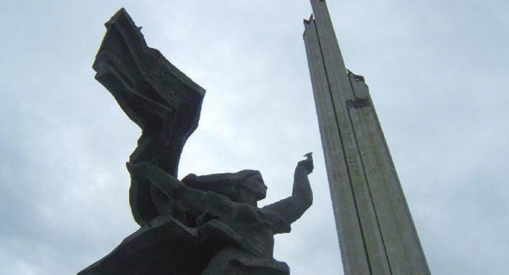 Lettonie : La Russie indignée par la demande de retirer le monument aux soldats soviétiques