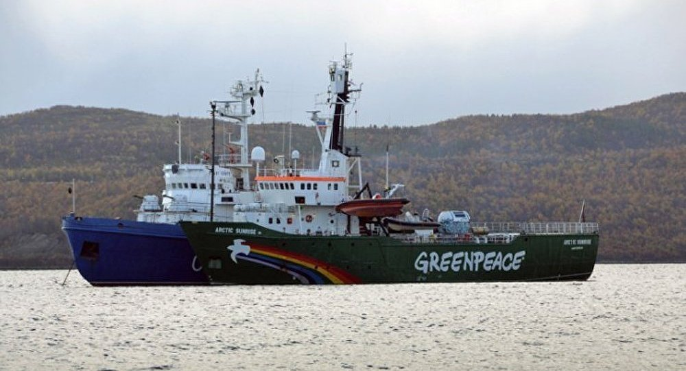 Greenpeace : les accusations de piraterie requalifiées en hooliganisme