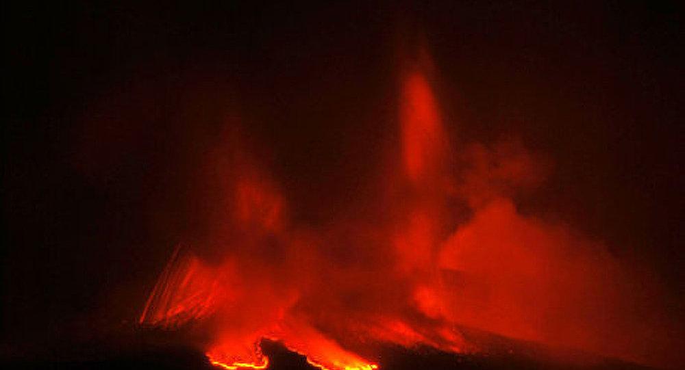 L'Etna se réveille en Sicile