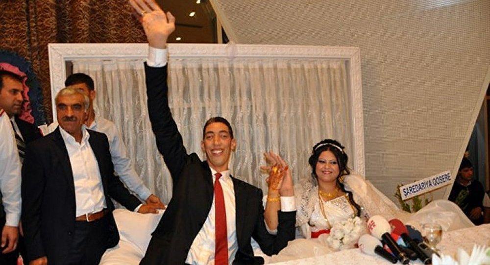 Turquie : l'homme le plus grand du monde s'est marié