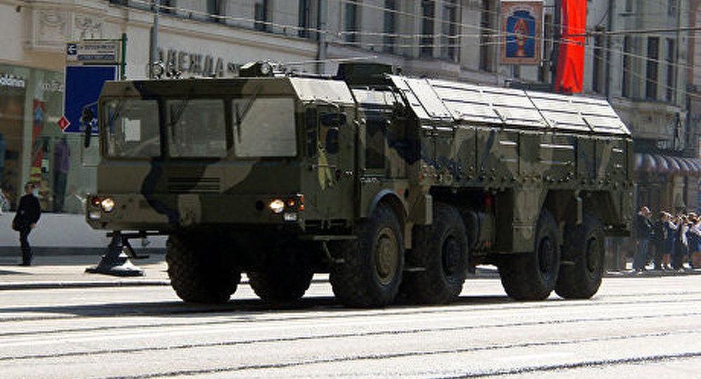Un système de missiles Iskander transmis aux militaires russes