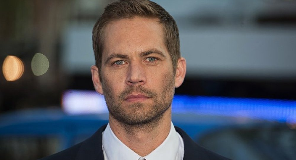 l acteur paul walker mort dans un accident de voiture. Black Bedroom Furniture Sets. Home Design Ideas