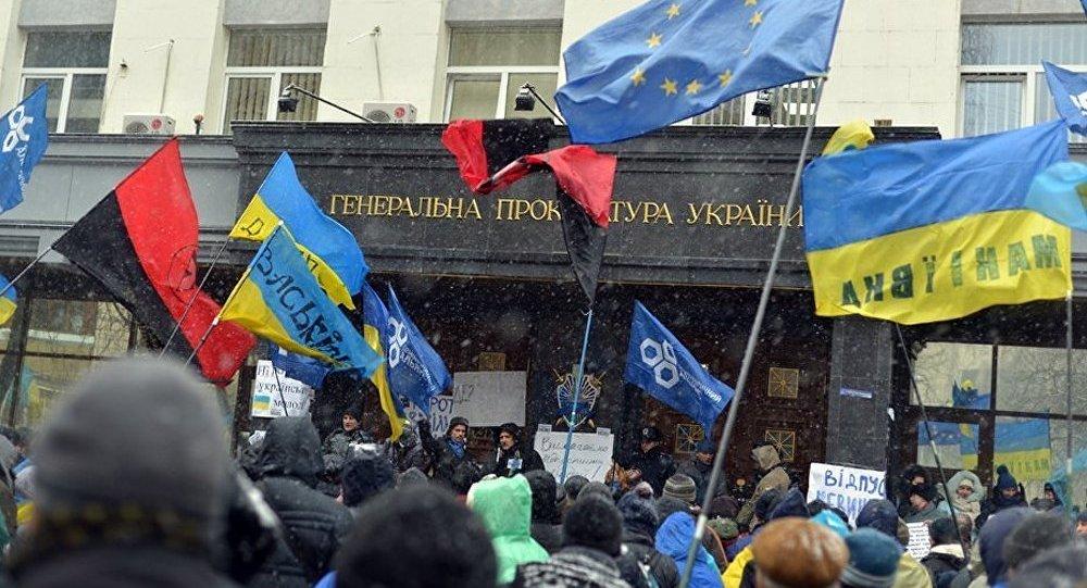 « Se tourner vers l'UE revient pour Kiev à se tourner vers Moscou en 1991 » (Aymeric Chauprade)