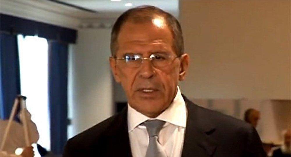 Lavrov a visité l'ambassade d'Afrique du Sud dans le cadre de la mort de Mandela