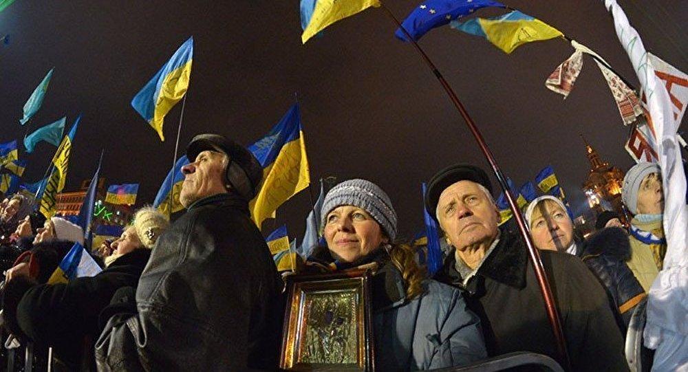 Ukraine : pourquoi McCain et Ashton soutiennent les manifestants