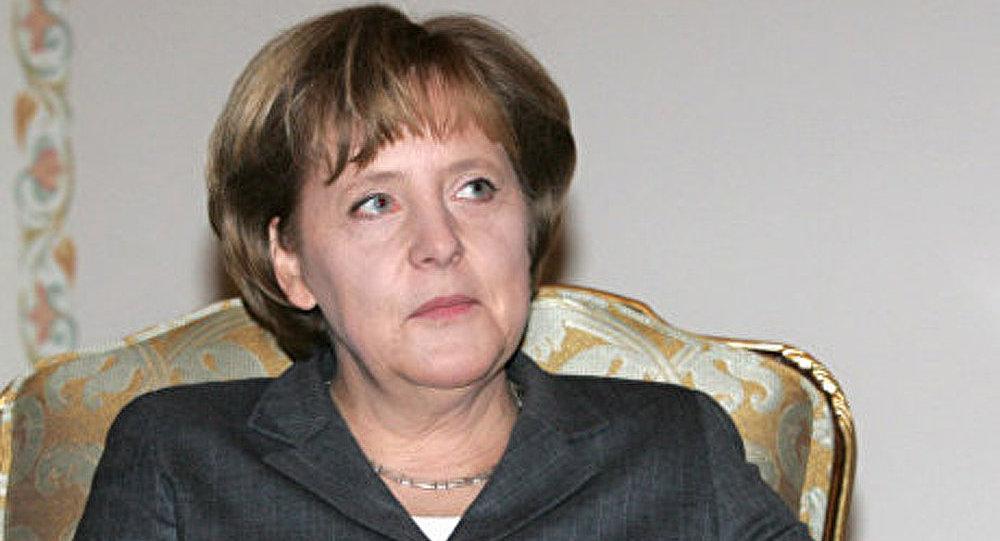 Ukraine : il ne faut pas forcer le pays à prendre les décisions (Merkel)