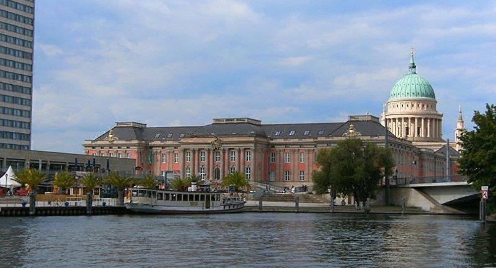 Hitler et Goebbels exposés au Parlement de Potsdam