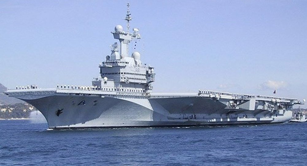 Les Etats-Unis et la France déploient leurs porte-avions dans le Golfe