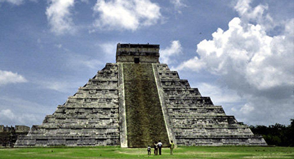 D'où vient le soudain réveil des pyramides ?