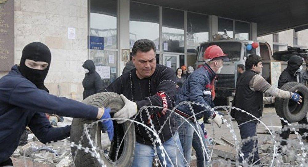 Ukraine : des postes de passage installés à l'entrée de Slaviansk