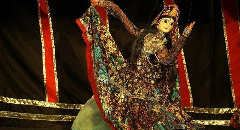 Festival de théâtre de marionnettes au Tadjikistan