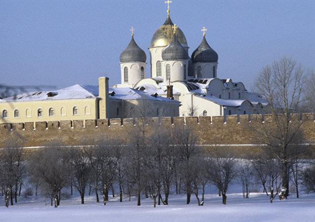 La cathédrale Sainte-Sophie et le kremlin de Novgorod